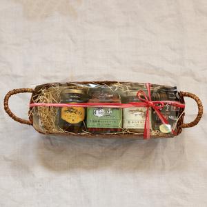 【ギフト】かご入り瓶詰めギフトセット (アンチョビソース1×トマトソース1×からすみソース1)