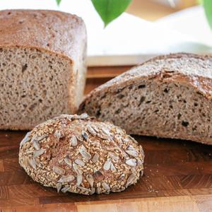 国産有機小麦100%の全粒粉オーガニックパンおまかせセット (M)